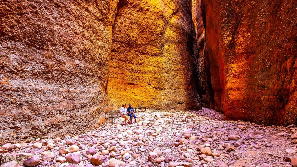 K1B+ Bungle Bungle Walk + Echidna Chasm - Kingfisher Tours WA